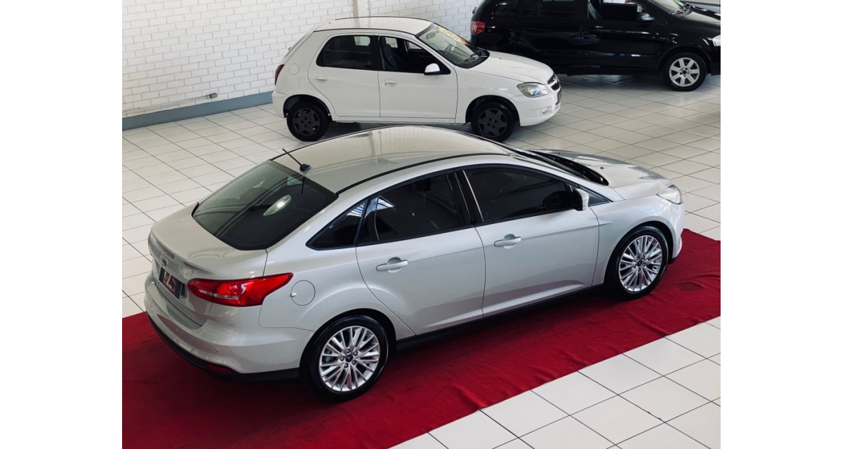 Focus Sedan 2.0 16V/ 2.0 16V Flex 4p Aut